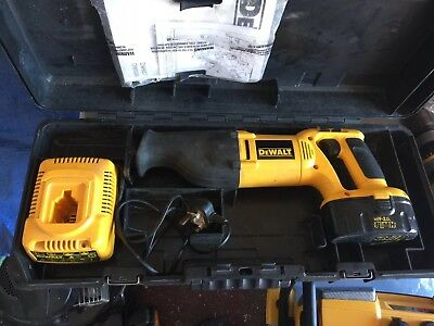 Dewalt 18V DW938 Xpr Reciprocating Saw with battery, charger and case