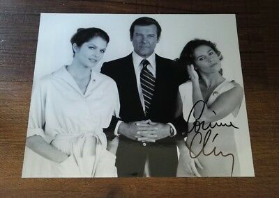 Corinne Clery signed Autogramm in Person 20x25cm COA James Bond 007
