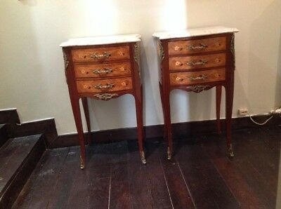 lot de 2 tables de nuit anciennes style LOUIS XV