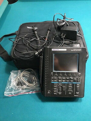 Tektronix THS720A Handheld Battery Operated DMM/100 MHz 500 MS/s Oscilloscope