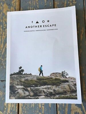 ***Another Escape*** Zeitschrift Magazin Volume Five Englisch