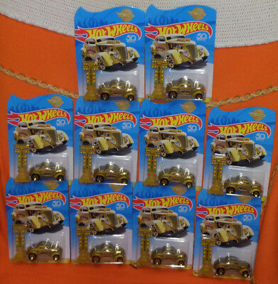 # HOT WHEELS 2018 LOT of 10 pcs PASS'N GASSER GOLD 50th ANNIVERSARY ITALY RARE #