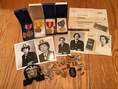 WW2 & Later Woman's US Navy Nurse Corps Medals and Insignia Group - Identified
