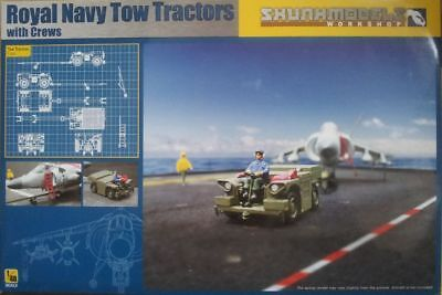 Skunkmodels 48017 Royal Navy Tow Tractors with Crew  1:48