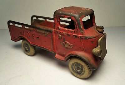 Antique Arcade Toys Cast Iron Mack Red ICE Truck w/ Nickel Grill - Hubley Dent