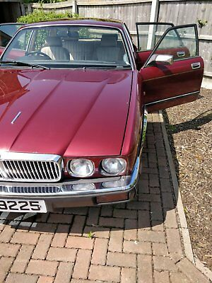 Jaguar XJ6 3.2 Classic Saloon Car