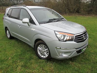 Ssangyong Turismo ES Automatic