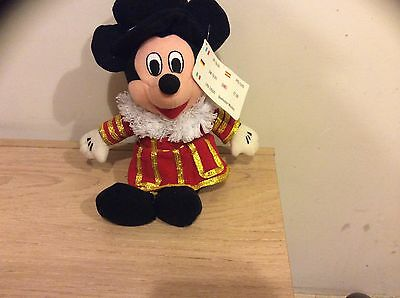 DIsney Beanies BEEFEATER  MICKY MOUSE Disney Store Mint With Tag