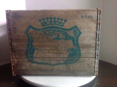 Vintage 1962 Canada Dry Wood Soda Crate