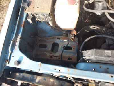 1984 Nissan Bluebird Battery Tray #B334