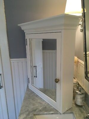 Pottery Barn Hotel Wall Mounted White Medicine Cabinet W/ 2 Glass Shelves