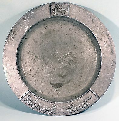 """Metal Plate MEDIEVAL TIMES DINNER AND TOURNAMENT 10.25"""" Charger DEI GRATIA"""