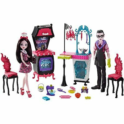 Monster High Monster Family of Draculaura Vampire Kitchen Playset Age 6+