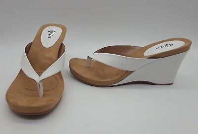 7c67fde1eb8a2 STYLE   CO Chicklet Women Shoes White Thong Wedge Sandals Sz 9 M ...