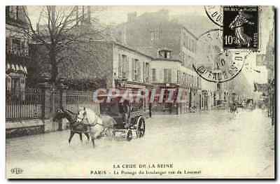 Raw REPRO of the Seine Paris the passage of the baker street of Lourmel