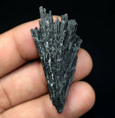 66.20 Cts. 100 % Natural Black Kyanite Rough 51*25*14 mm Fancy Mineral Gemstone