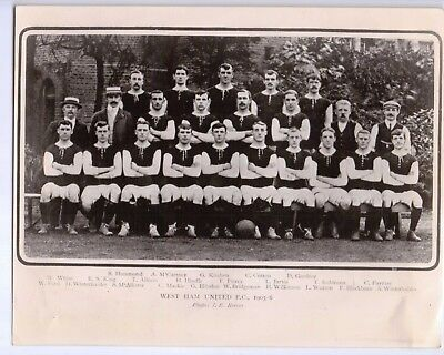 Photograph of the 1905-06 West Ham United Football team