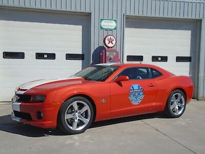 Chevrolet: Camaro SS INDY 500 PACE CAR - 6Spd Manual & ONLY 1,900 KM 2010 CHEVROLET CAMARO SS INDY 500 PACE CAR - 1 of 28