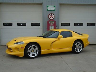 Dodge: Viper GTS 2001 DODGE VIPER GTS with ONLY 23,000 Miles