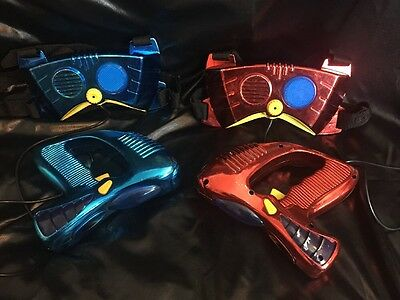 2003 Jakks Pacific Laser Later Tag Challenge  Blue/Red Metallic Guns & Chest