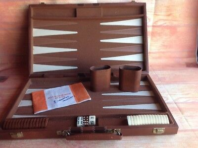 Large BACKGAMMON SET IN Brown Attaché CASE RETRO BOARD GAME Vintage