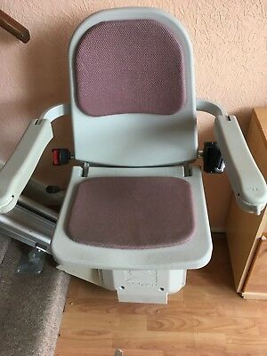 Acorn Chair Lift >> Acorn Chair Lift With 13 Stair Track Excellent Working