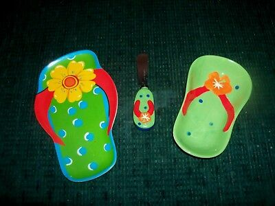 2 Kitchen Items - Flip Flop Shoe Design Ceramic Dish & Spreader - Plastic Tray