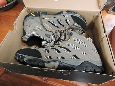Merrell men's moab mid hiking boots size 13 (USA) new