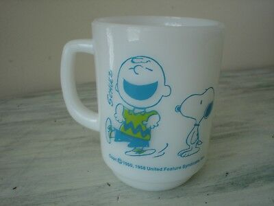 Snoopy Charlie Brown Chas Schulz Anchor Hocking Milk Glass Coffee Cup 1950 NOS