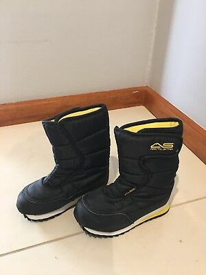 Children's Kids Toddlers Snow Boots size US 11 Used Once