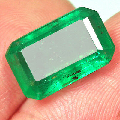 4CT Grade Green Emerald 100% Natural Collection Retail Price $1000 UQMD119