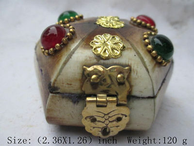 Old Tibet collection box, jewelry beads opal decoration.