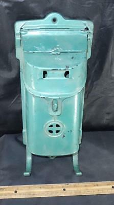 Antique Green Cast Iron Griswold Erie PA Wall Mount Mailbox 105/106A !
