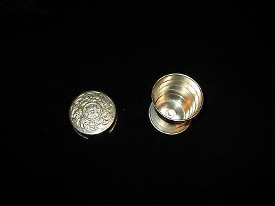 """Vintage Victorian Collapsible 2"""" Metal Travel Cup"""