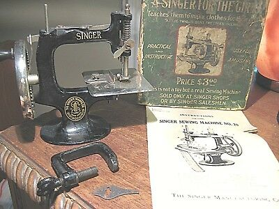 VINTAGE 1914 A SINGER FOR THE GIRLS Model 20 SEWING MACHINE W/ BOX -INSTRUCTIONS