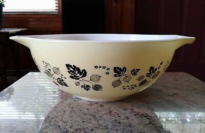Vintage Pyrex Black Gooseberry on Yellow 4 Qt. Cinderella Mixing Bowl
