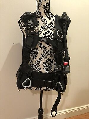 Scuba Pro Knighthawk Integrated Air 2 BCD & Regulator, Size: L, Well Maintained