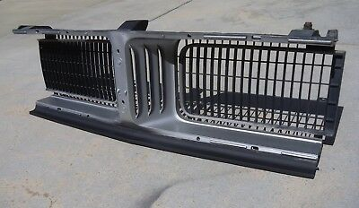 1969 69 Dodge Charger Center Grille Section Hideaway Lights Grill