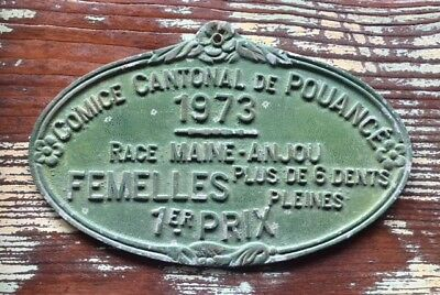 VINTAGE FRENCH CAST IRON Green AWARD PLAQUE 1st Prize Female Maine Anjou Cows