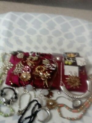Mixed old and new mixed jewellery joblot