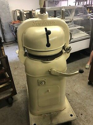Nice Used Fortuna Dough Divider And Rounder Bun Semi Automatic with 3 Plates