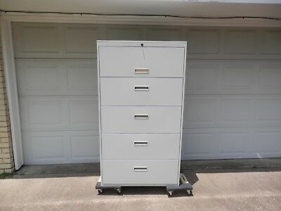 5 drawer LOCKING W/ KEY lateral file cabinet-putty color in VERY GOOD condition