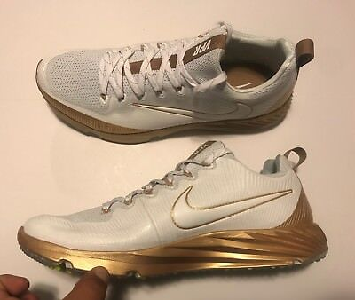 Nike Vapor Speed Turf LAX Football Trainer Shoes Gold White 833408-711 Men's 13