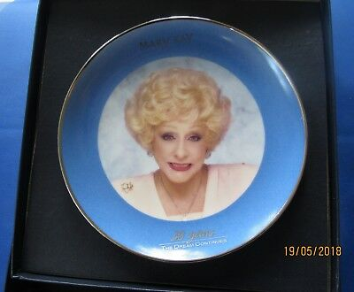 Mary Kay Ash Cosmetics Dream Continues Commemorative Plate 1993