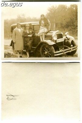 Vintage Photo circa 1930s women with classic car