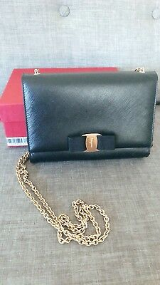 3b70790ff077 AUTHENTIC SALVATORE FERRAGAMO Miss Vara Bow Crossbody Bag Nero Black ...