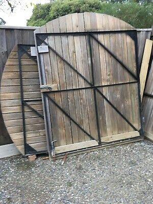 used gates suit front driveway