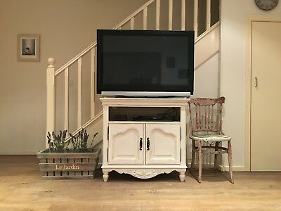 French provincial/ country/ shabby chic timber TV Unit (Early settler)
