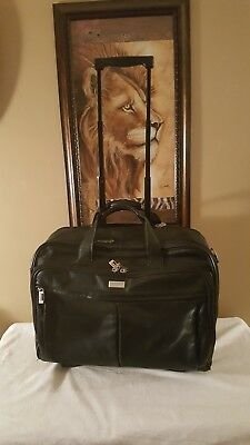 ff352eac839 U.S. Luggage New York Black Leather Rolling Executive Briefcase Laptop Bag