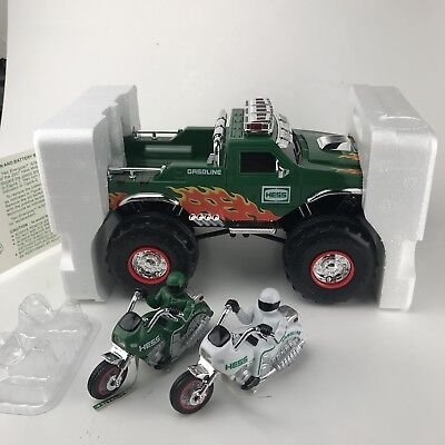 HESS 2007 Monster Truck with 2 Motorcycles Complete in Original Box SEALED INTAC